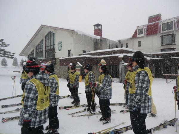 進学1年 スキー教室 ゲレンデで学ぶ